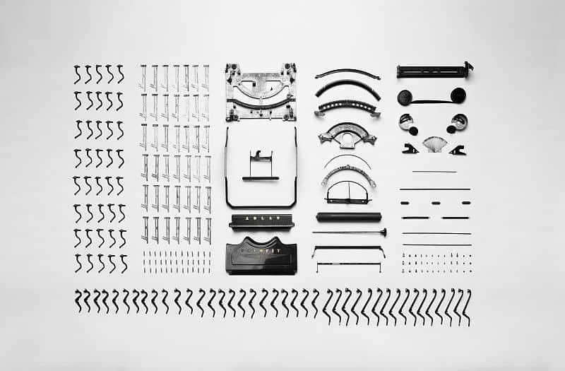Typewriter (Adler Favorit) apart